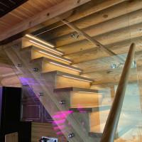 Подсветка лестницы в бане в Лаврово