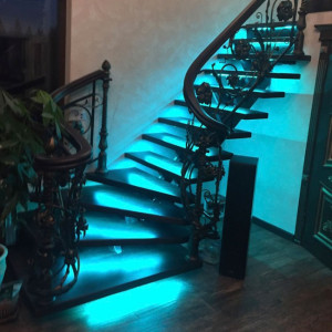 Подсветки лестницы в Агалатово