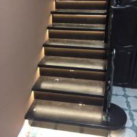 Подсветка лестницы три этажа в Санино
